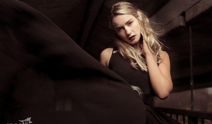 © JoostVH Photography, Clothes: Ariadna Mladen, Model: Sherelle De Jong, MUA: Jane von Vintage make up